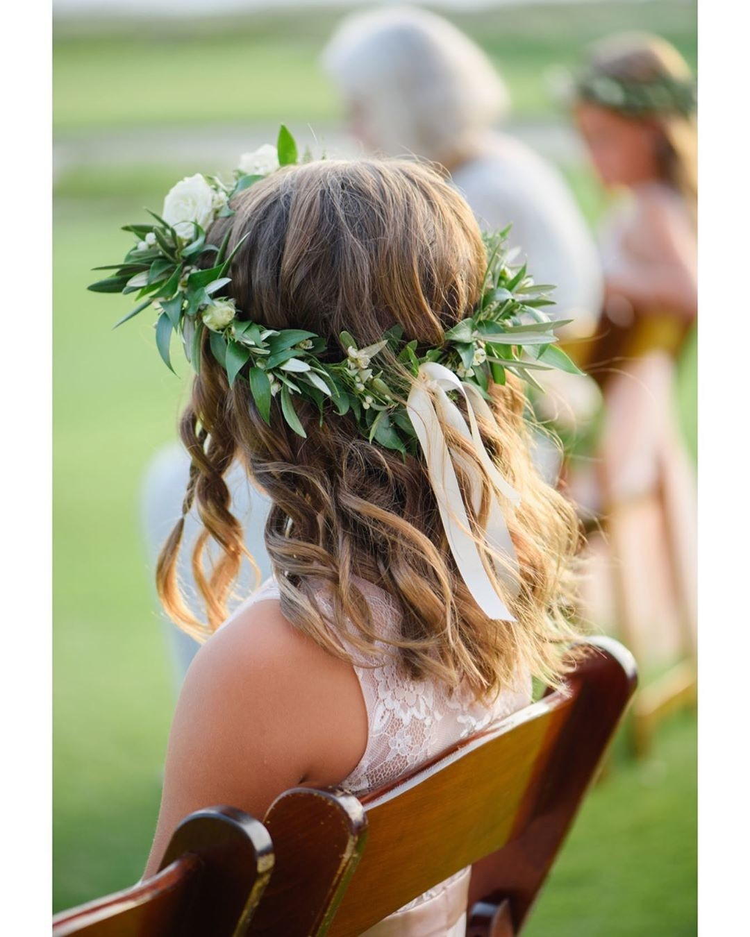 "Flower crowns for flower girls is always a ""yes"" to me ☺️ Venue:"