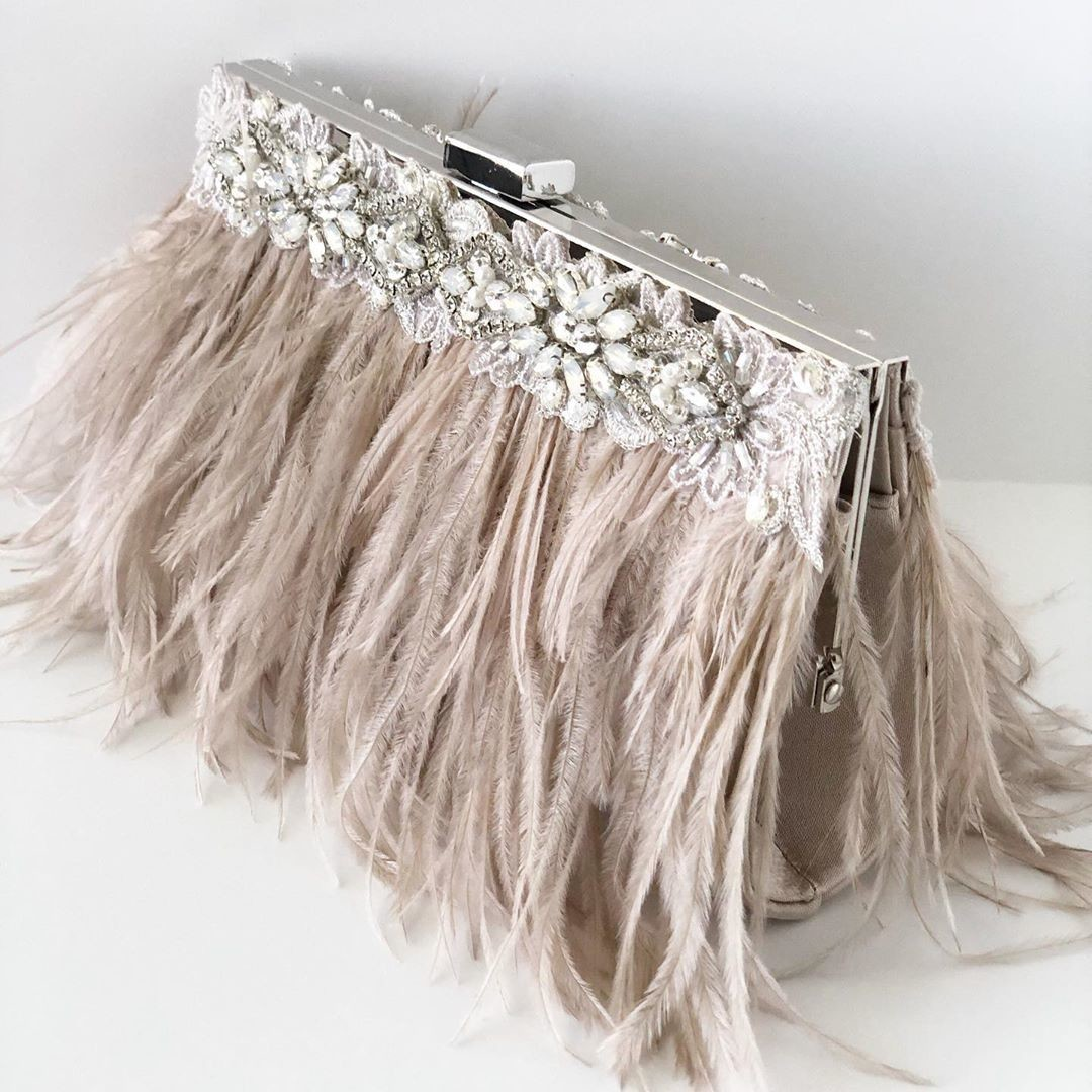 Brand New!!! Nude blush Ostrich feathers with gorgeous rhinestone details. YES it's embellished on both sides!!!