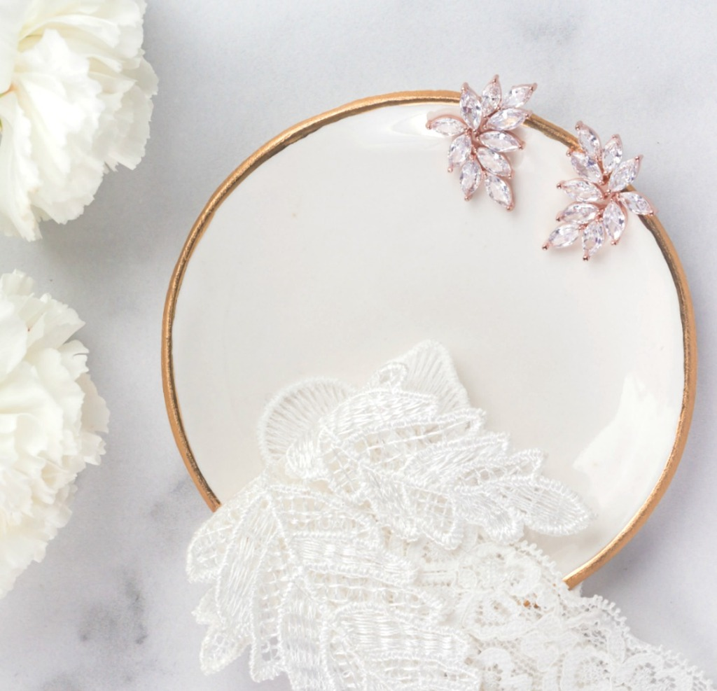 The Chloe bridal earrings are the perfect wedding earrings that provide maximum sparkle and glamour. Find more great bridal accessories