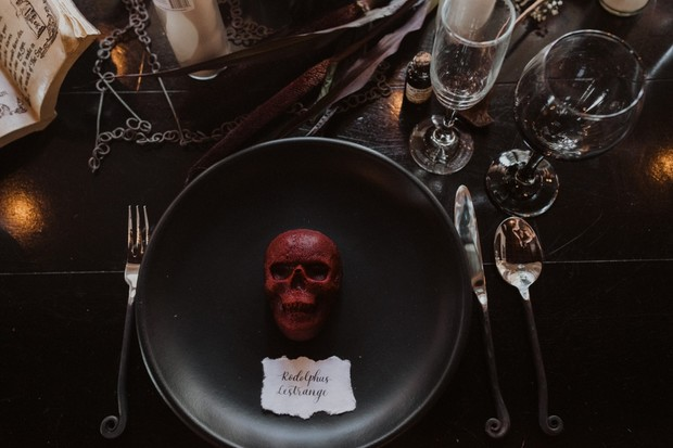 skull cake place setting for wedding