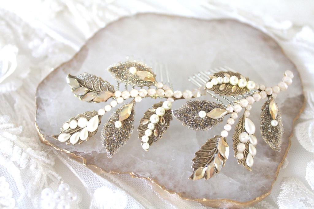 Beautifully handcrafted antique gold bridal hair comb set with Swarovski crystals and pearls.