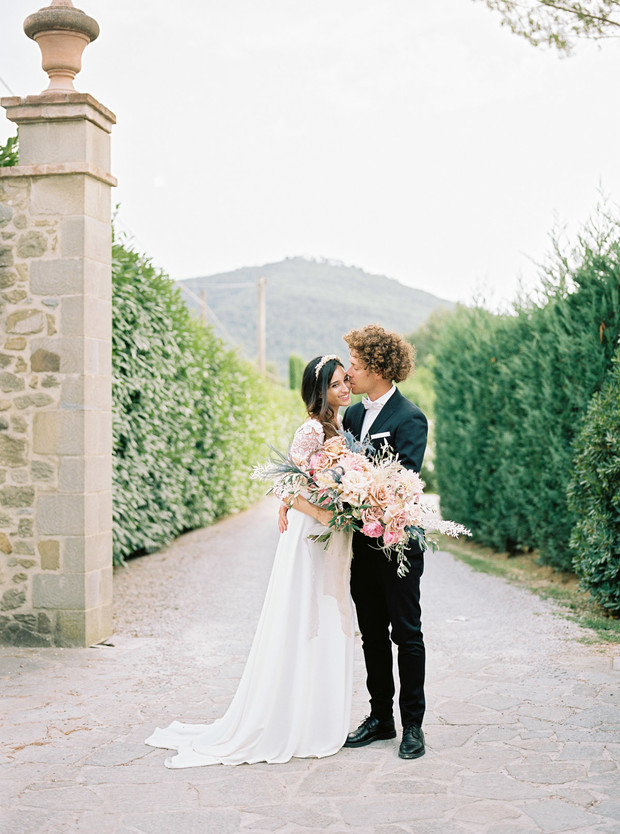 romantic wedding inspiration in Tuscany