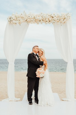 Luxury White Wedding On A Beach In Mexico