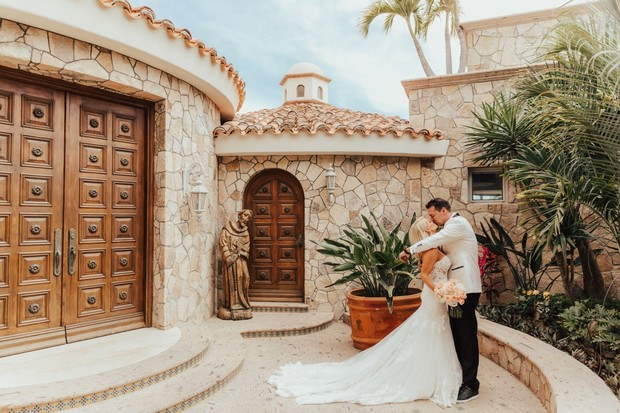 wedding couple in Mexico