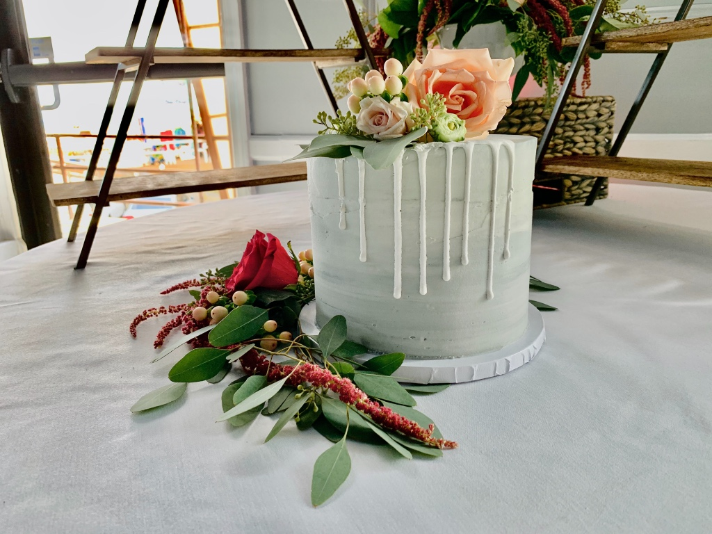 Little cake can have a big impact with the right floral decor!