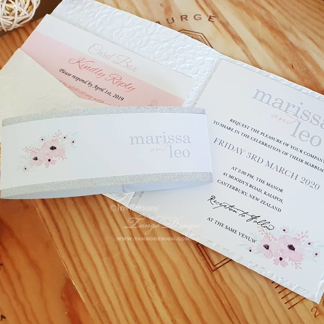 NEW Floral Pocket Invitation Set + Dual glitter belly band.⠀