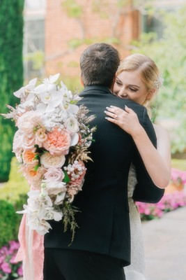 You Will Love These Soft Pink Garden Wedding Ideas