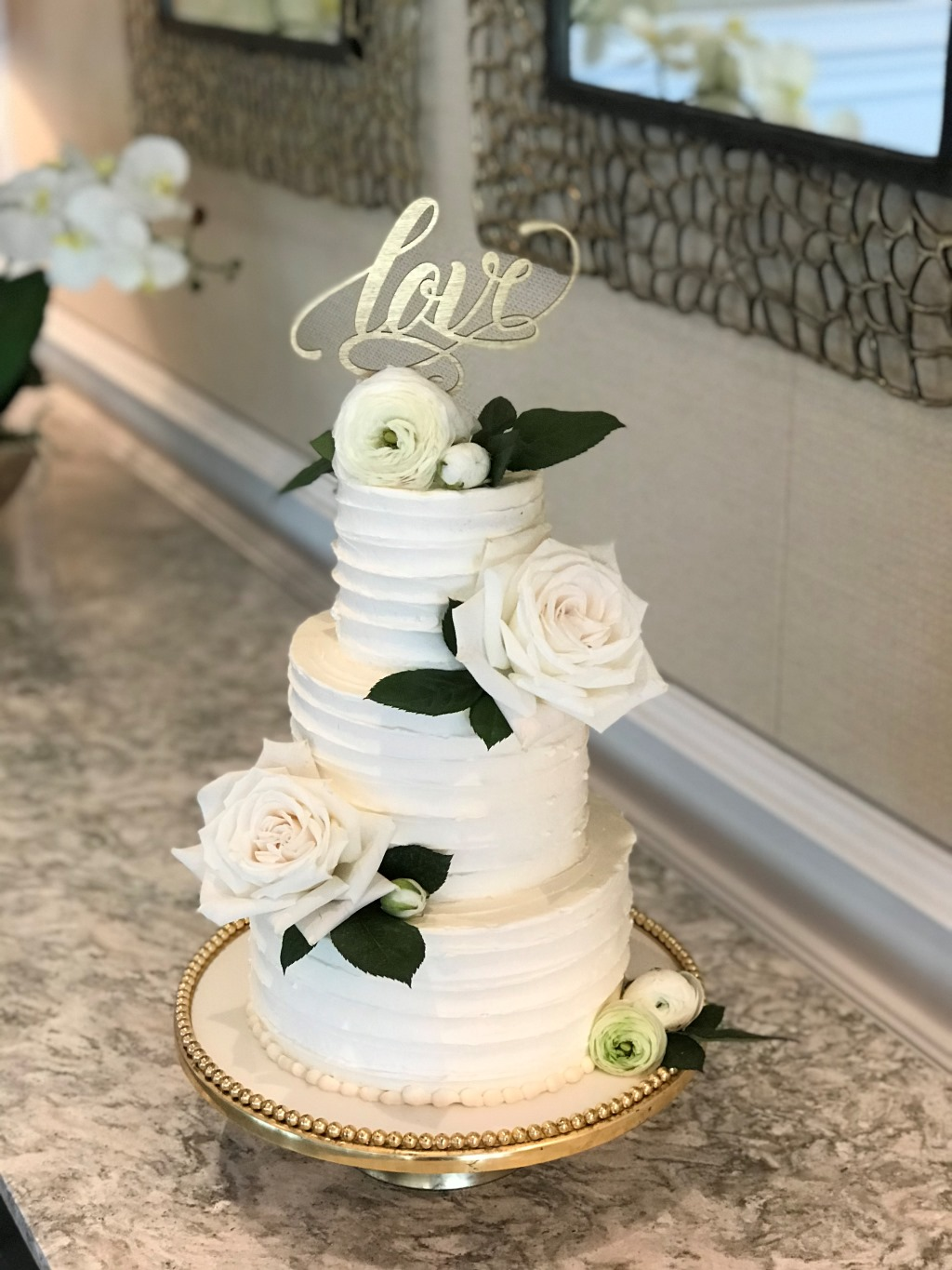 Southwest Florida is the place to be for destination weddings! Petite Wedding Cakes are the perfect edible art to show your flare and