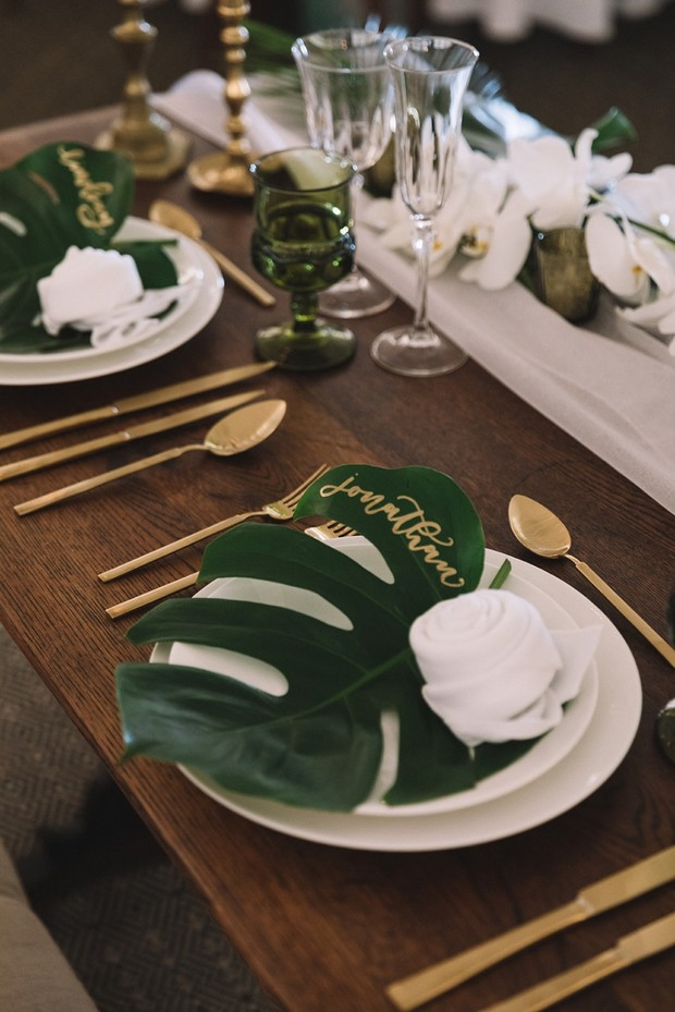 sweetheart palm leaf place setting