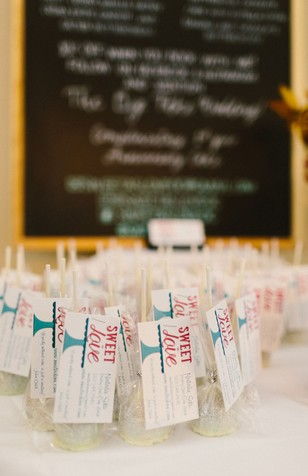 wedding cake pop favors