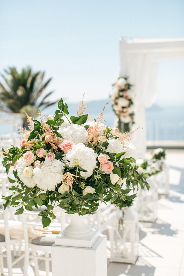romantic floral decor for your wedding aisle