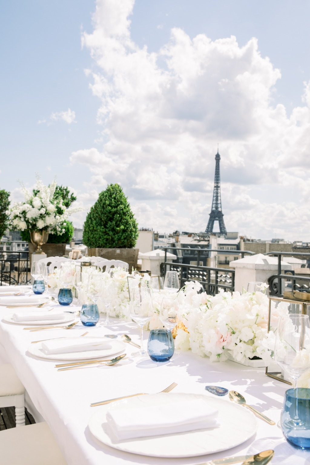 Rooftop wedding in Paris