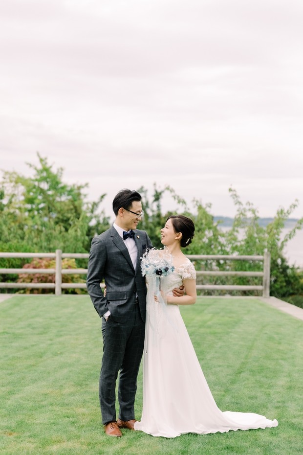 elegant water front wedding