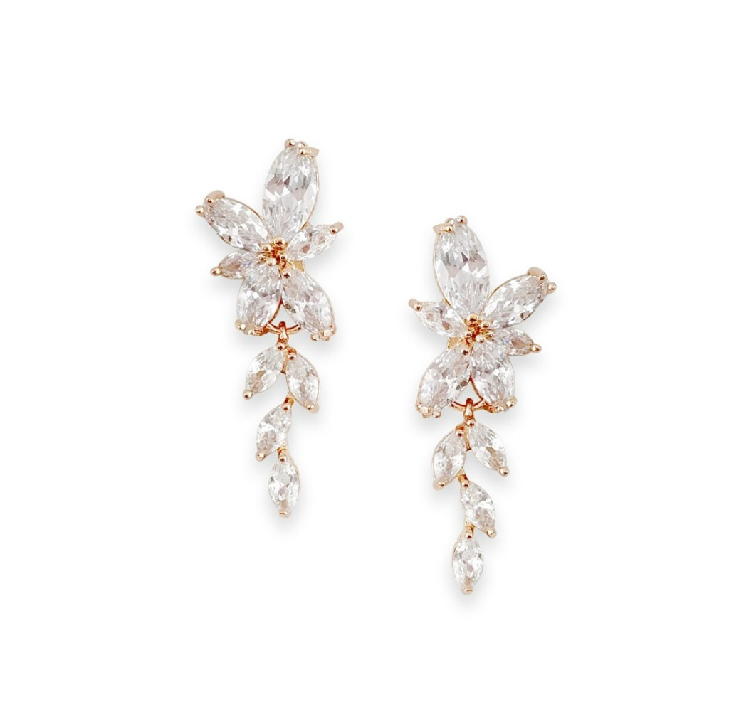 The Dolce earrings feature cascading cubic zirconia crystals that sparkle in the light. Perfect for the modern, sophisticated bride