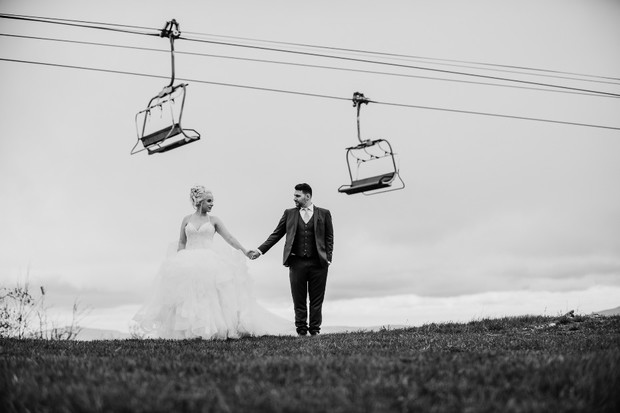 black and white wedding photo idea