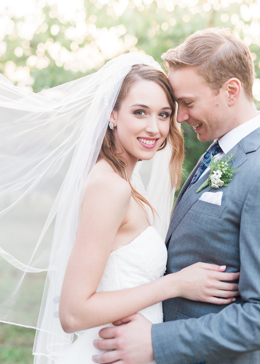 Explore Laura Jayne's website to get more wedding inspiration for your wedding day!