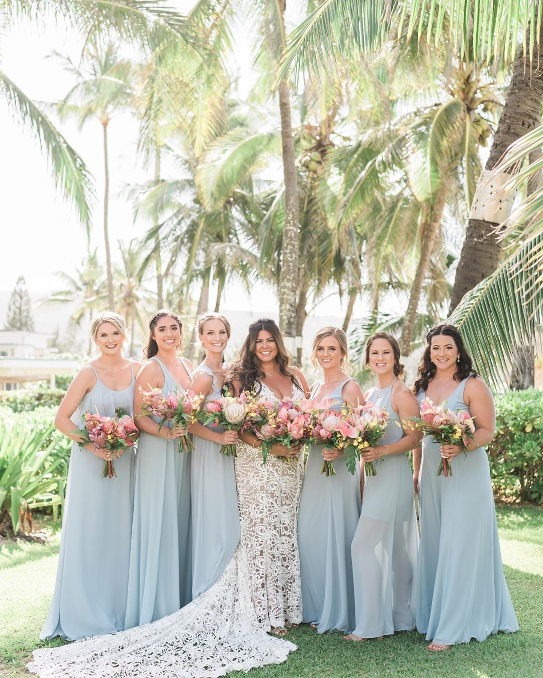 🌴A first look at Kasondra & Tom's wedding day near Haleiwa at this stunning private estate 💕