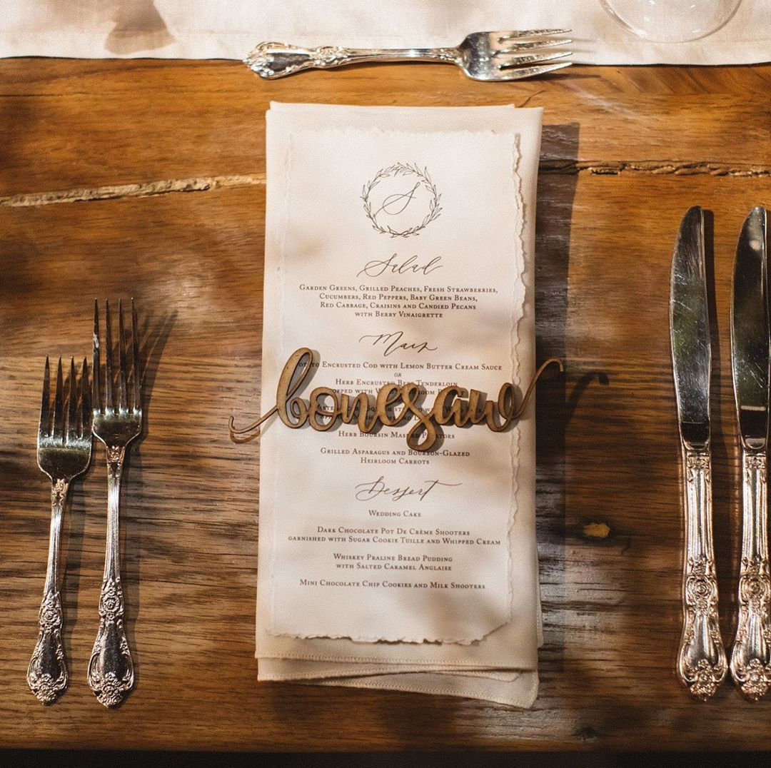 We believe every single detail of your wedding should match your vision. All the way down to your menu and table setting. Details matter