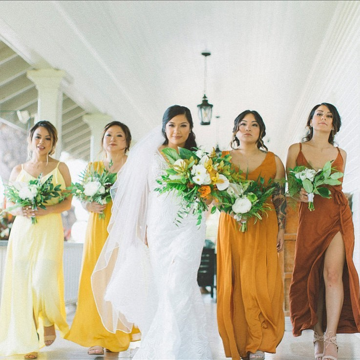 When you Bridal party slays Beyonce's formation army kind of 🤣⚡️👯♀️👯♀️📸