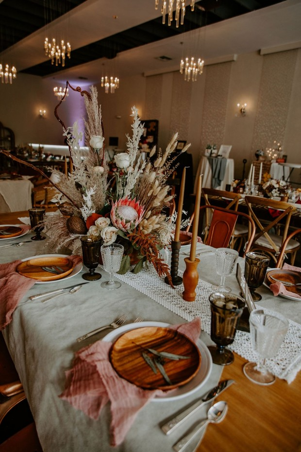 rustic desert chic table decor