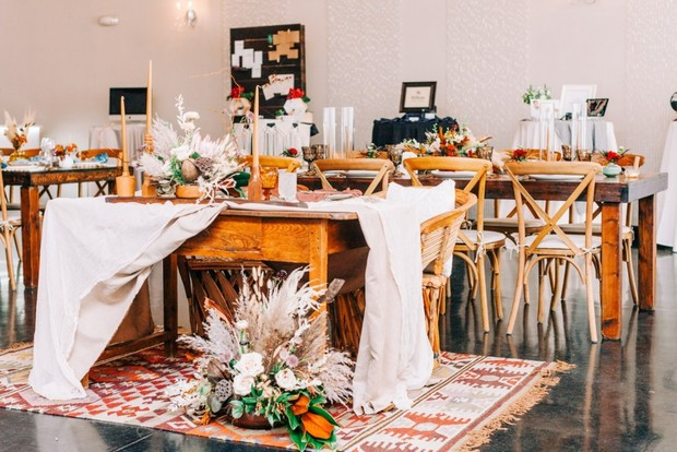 rustic desert chic sweetheart table