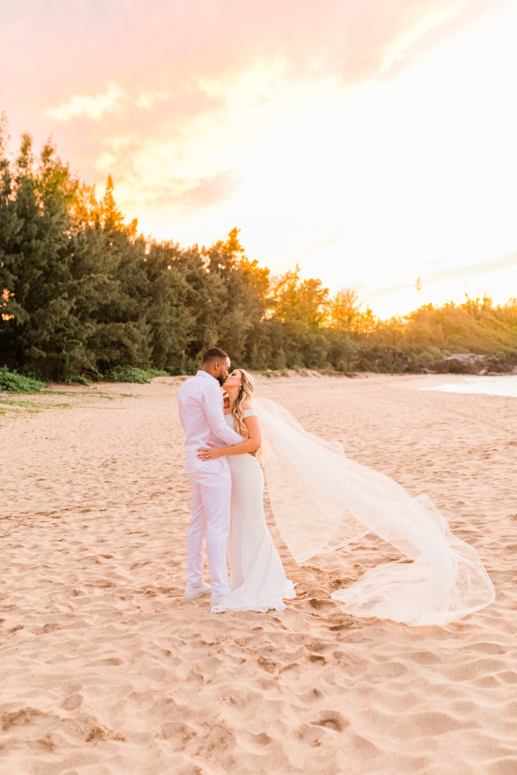 When the wind blows at the most PERFECT time during the most PERFECT sunset with the most PERFECT couple!!
