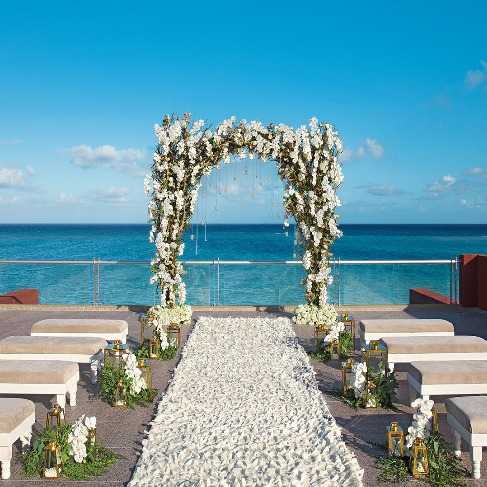https://www.applevacations.com/brands/zoetry-wellness-and-spa-resorts/#!/?utm_source=BrideClick&utm_medium=BrideClickSocialMedia&utm_campaign=BrideClick2019