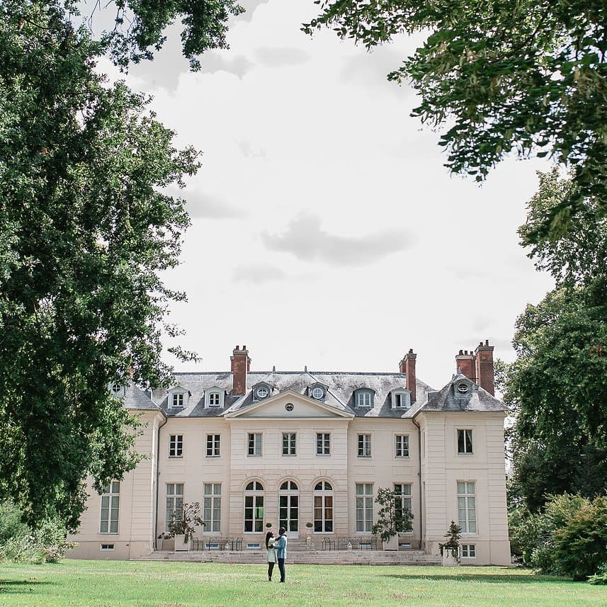 Love this little chateau near Paris.