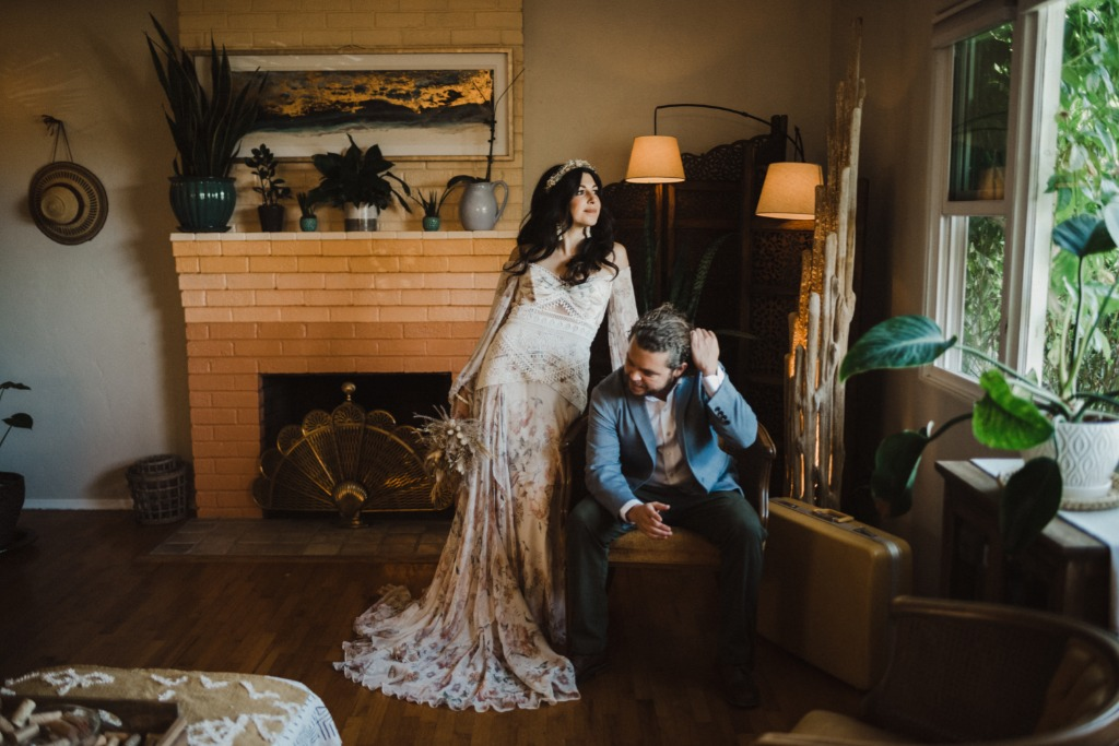 Tori and Anthony got ready at the most incredible Airbnb in San Diego!