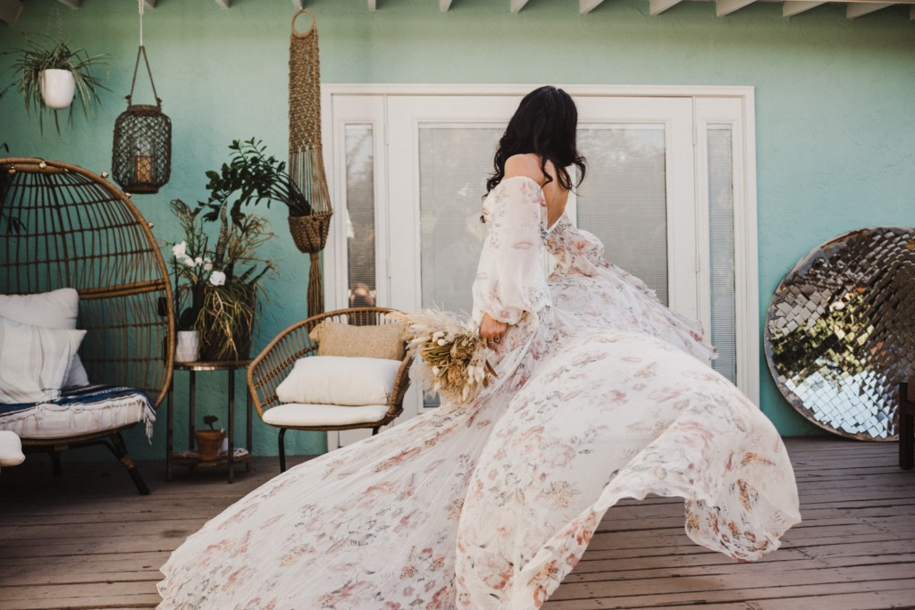 This Rue de Seine dress is beyond words. Tori just wanted to twirl in it all day!