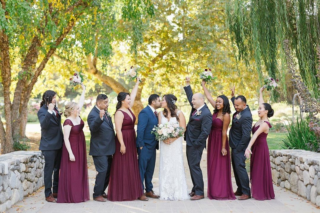 Carly and Victor's garden wedding was a gorgeous fall fête! 😍 Congrats you two! 🎊⠀