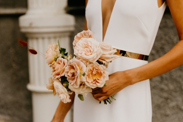 blush rose wedding bouquet and modern bridal style