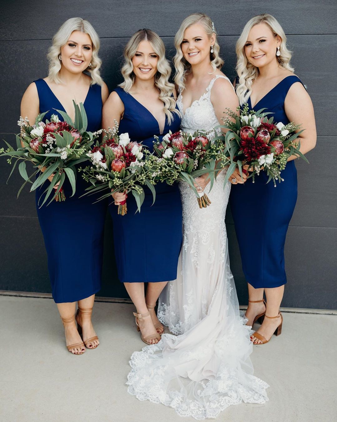 REAL WEDDING 💙 Karlie with her beautiful #bridesmaids