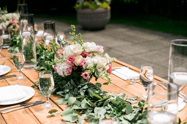 white and pink floral wedding centerpieces