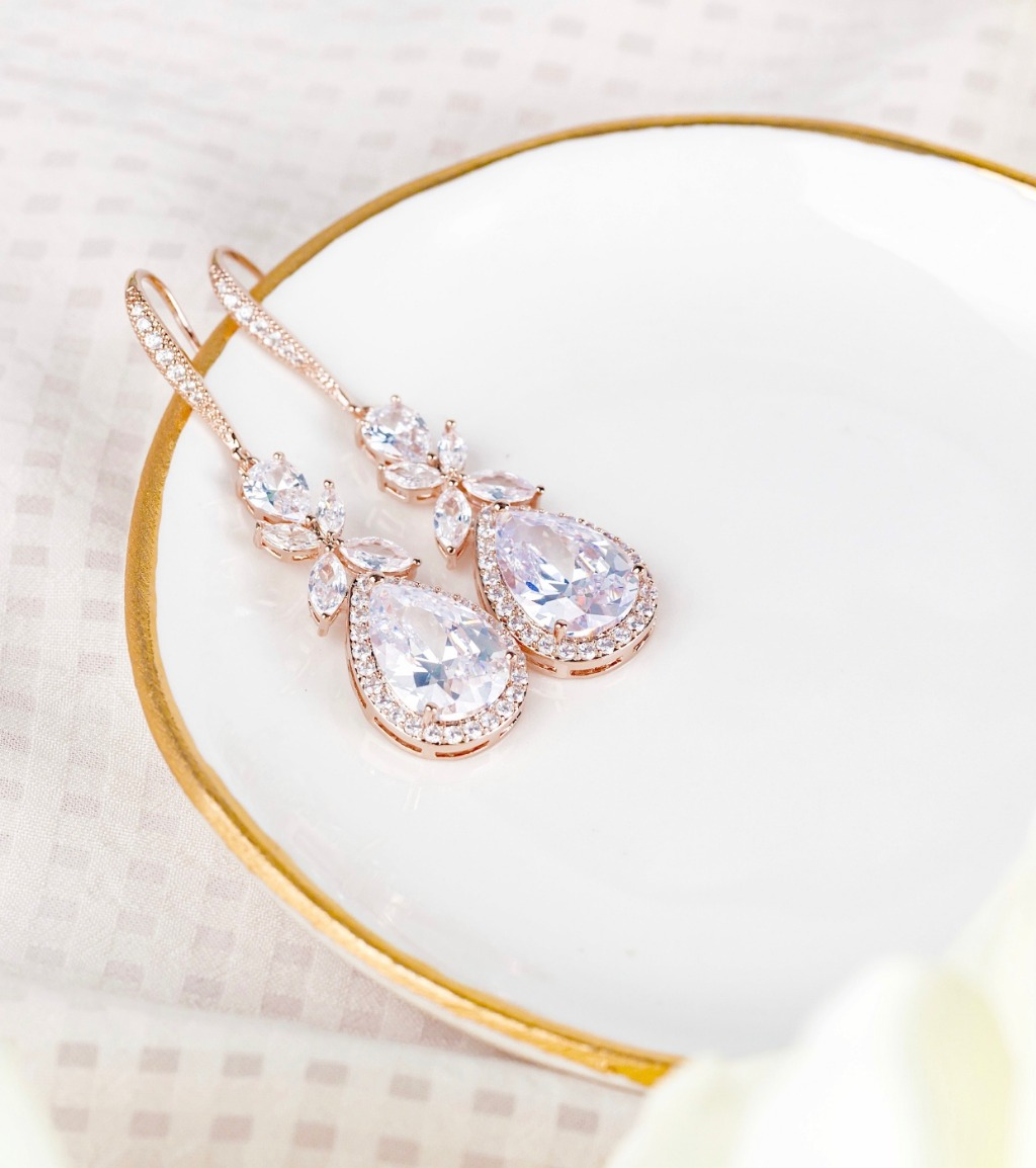 Our beautiful Isabella wedding earrings are a favorite with our customers. These earrings feature sparkling cubic zirconia crystals