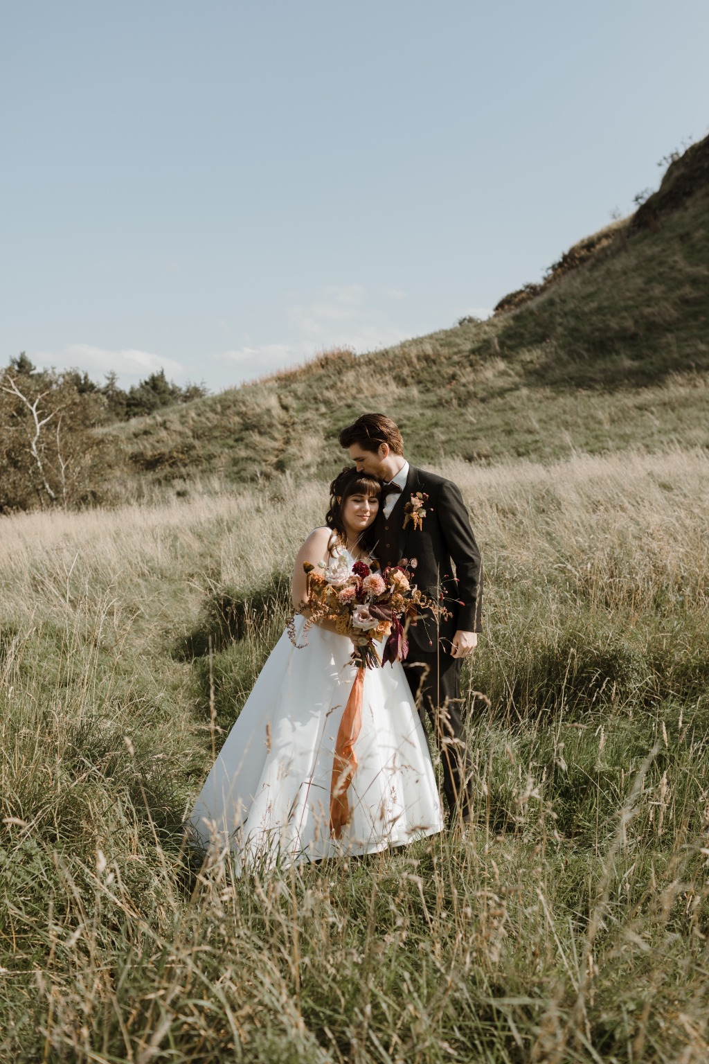 Elopement in Edinburgh. Dress: Astrid & Mercedes Joy via the flagship Toronto bridal boutique | photography: Caro Weiss | day-of