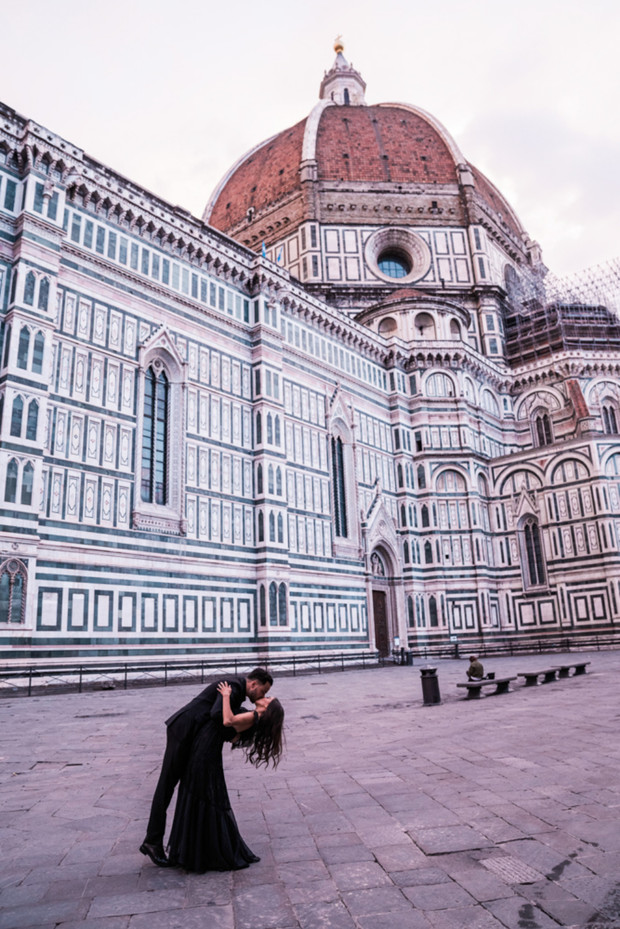 We Are Swooning Over This Florence Engagement Session