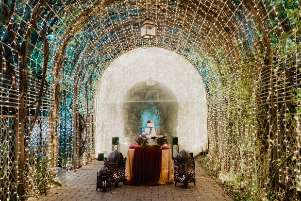 wedding light tunnel