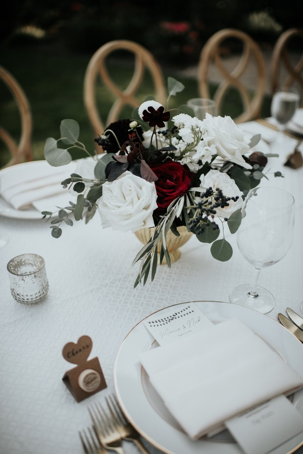 gold and white chic outdoor wedding reception