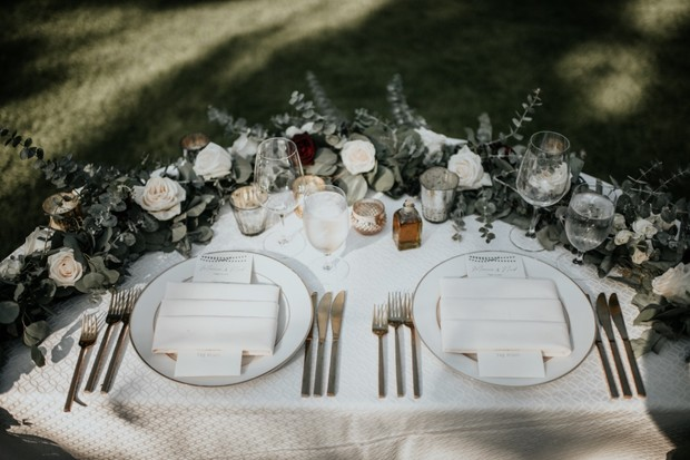 rustic Tuscan style sweetheart table