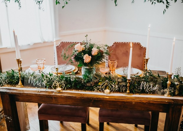 gold wedding decor for your sweetheart table