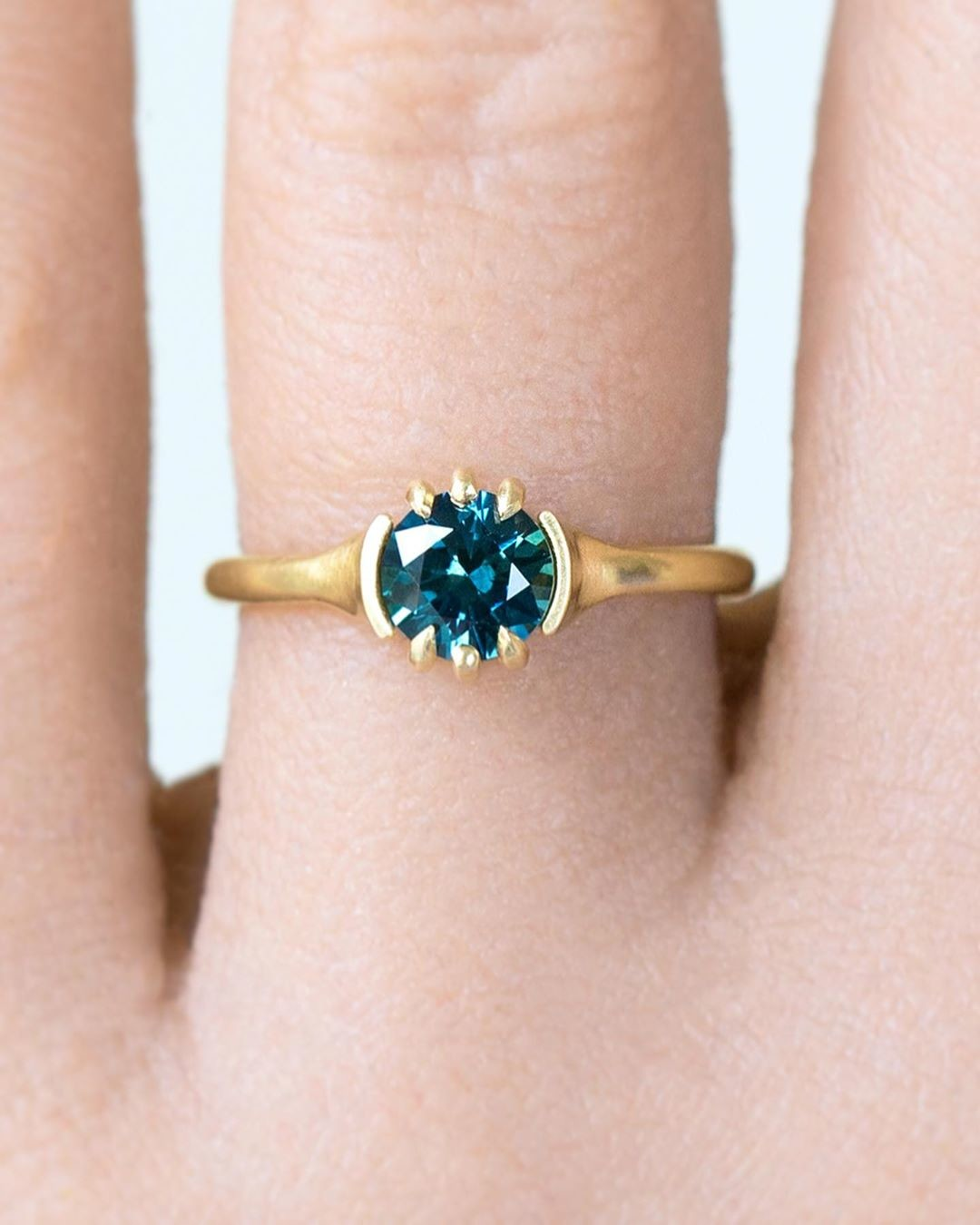 Teal Master Cut 6mm Montana Sapphire + Recycled 18k Gold Custom Sculpted Solitaire = Unique Minimal Contemporary Ring Dream.