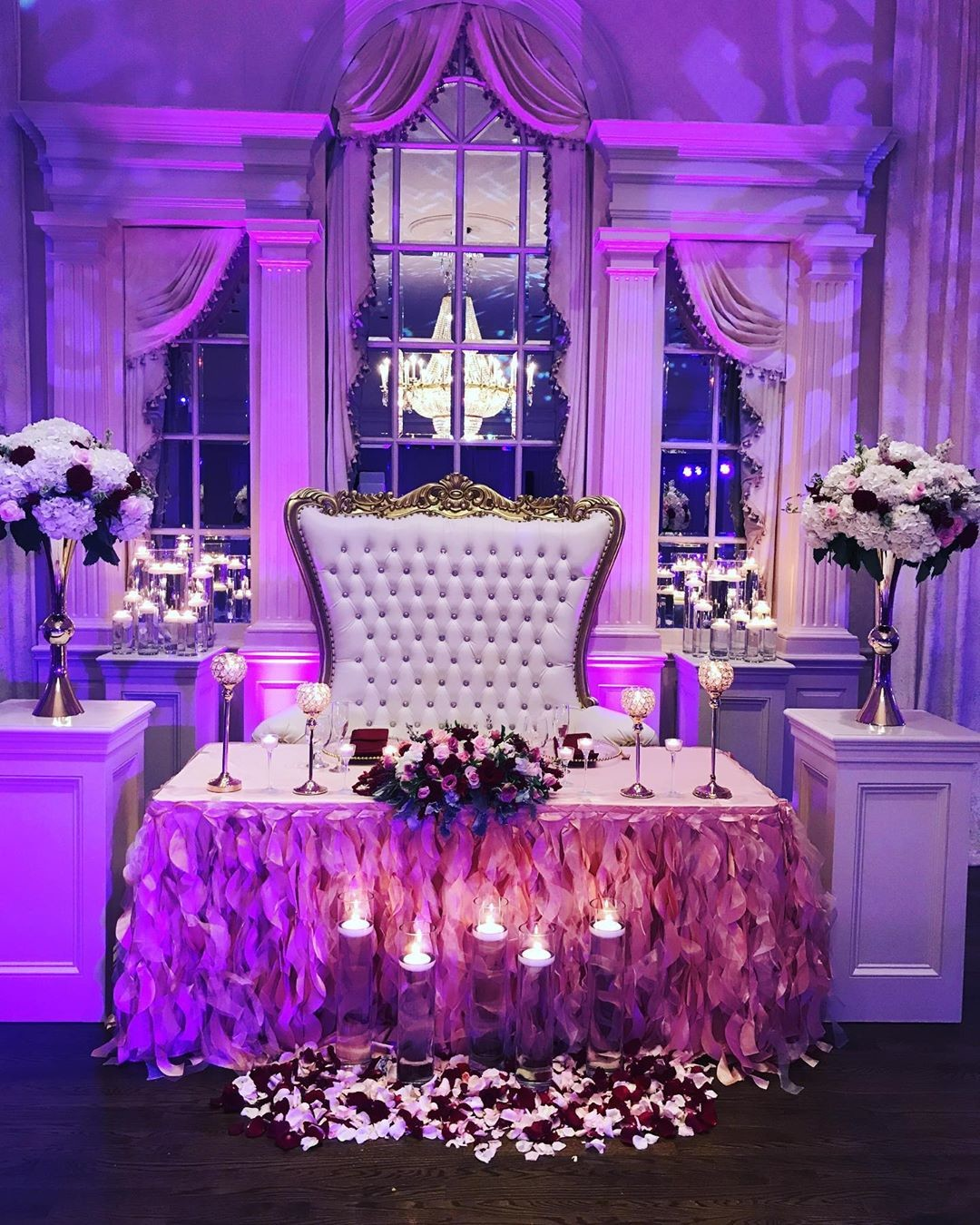 The best sweetheart table set up ❤️❤️💐💐💐