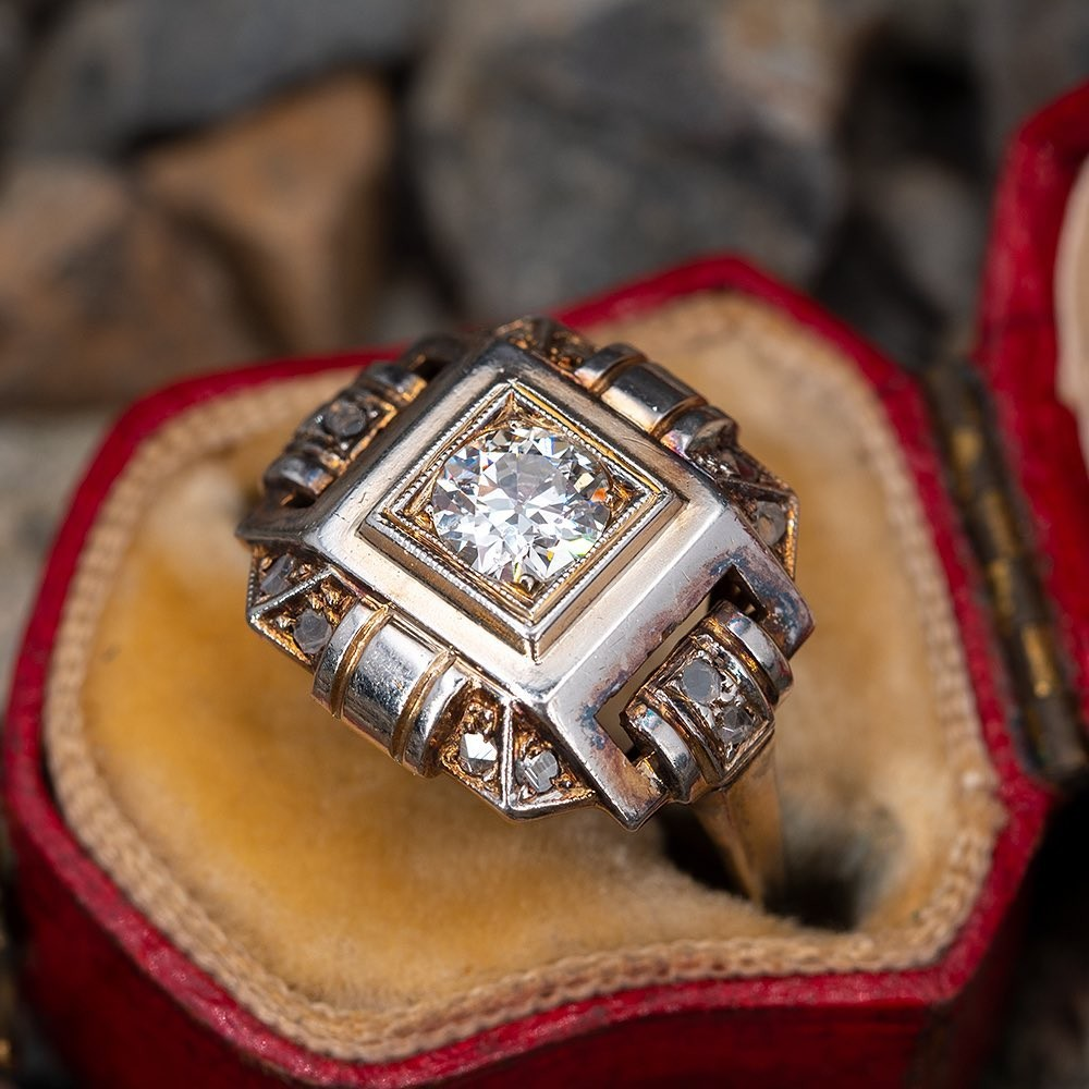 Circa 1930s antique ring, old European diamond in gold with patina. Sku EJ60257.