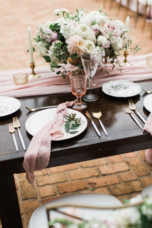 soft pink and gold glam wedding table decor idea
