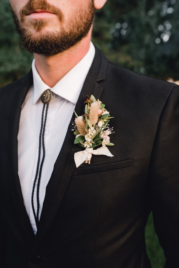 wedding boutonniere for your fall wedding