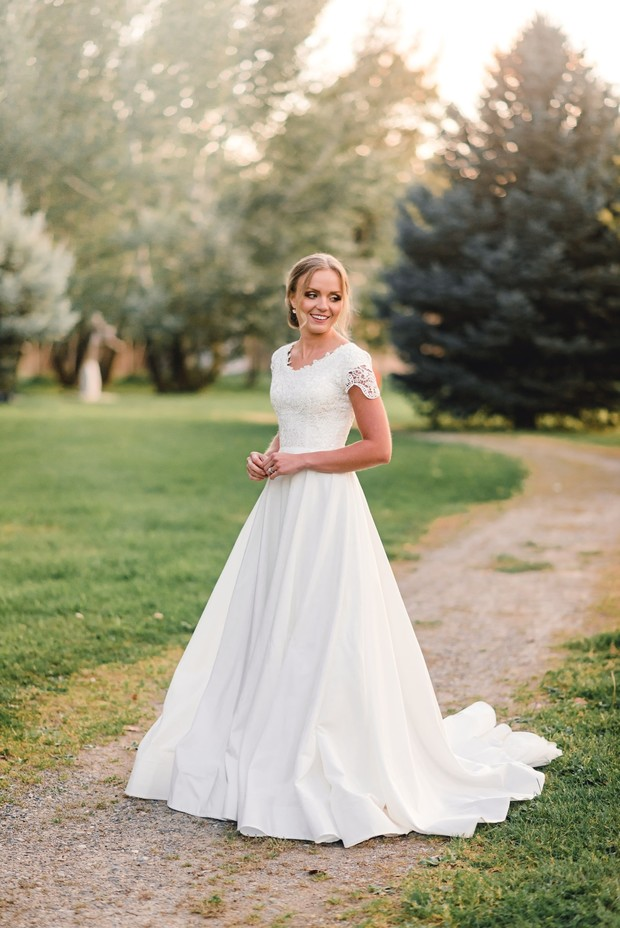 sweet cap sleeve wedding dress for your fall country wedding