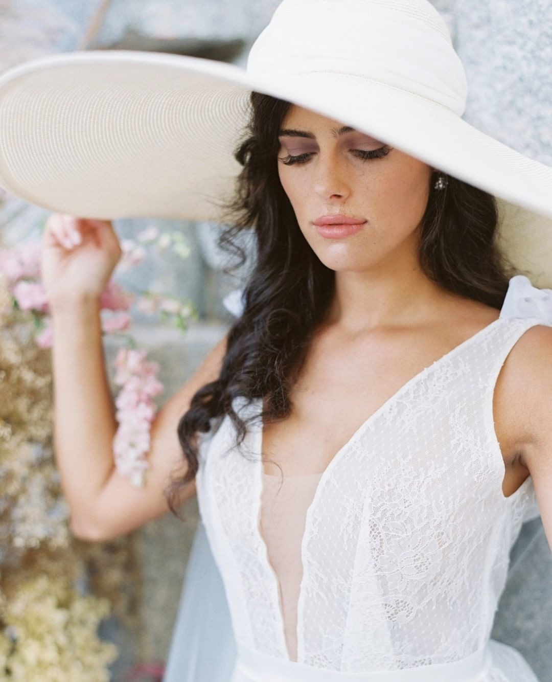 Who doesn't love a bride in a floppy hat! ❤️⁠