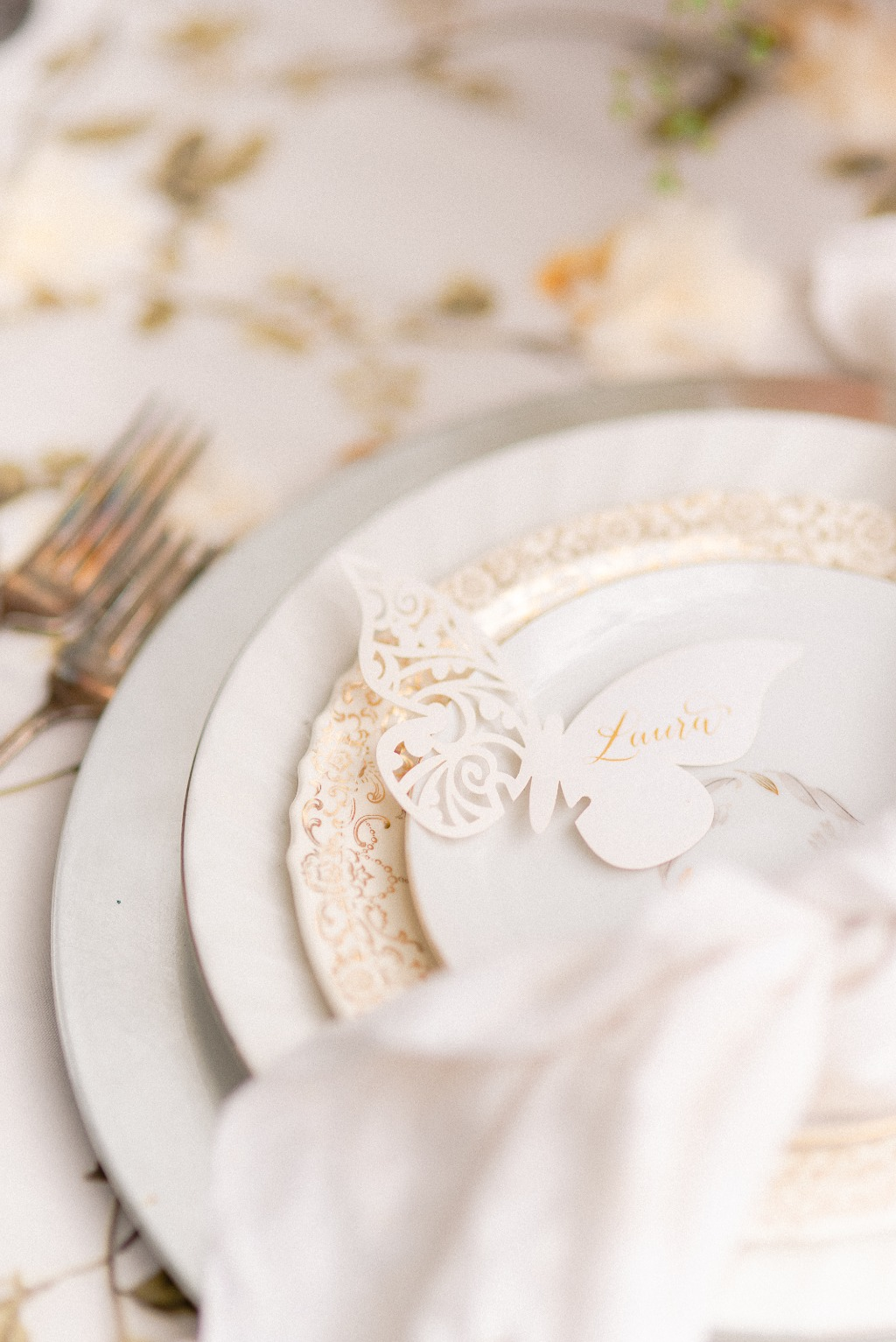 As a Designer, the details are my favorite! The details pictured here are so effortlessly elegant. Vintage tableware pieces that tell
