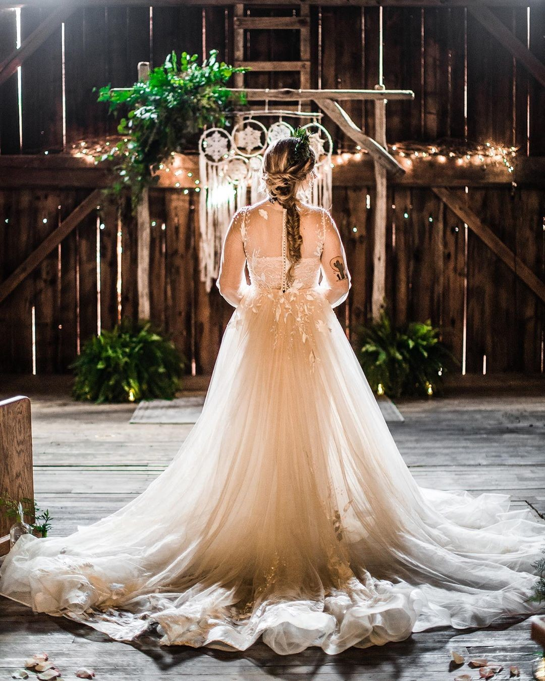 So.Much.YES 🙌 How stunning is#cocomelodybride